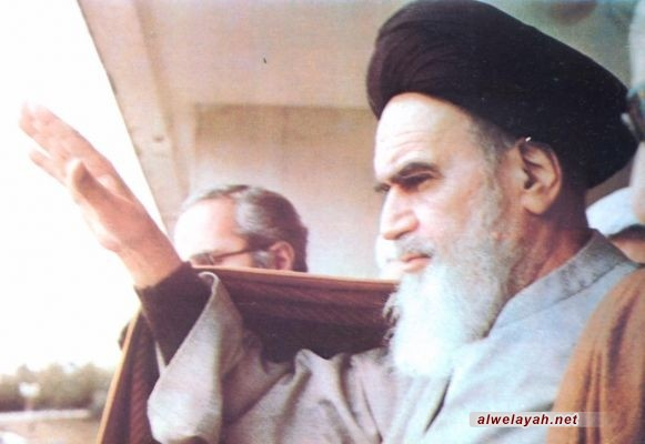 مفكر تونسي: الإمام الخمیني (ره) كان عارفاً لم یترك الساحة الاجتماعية والسیاسیة
