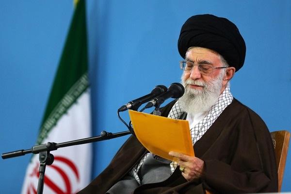 قائد الثورة الإسلامية يوافق على عفو وتخفيف عقوبة مجموعة من السجناء