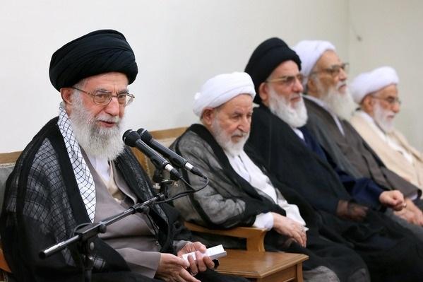 الإمام الخامنئي: استمرار الحظر سيؤدي إلى انهيار الاتفاق النووي