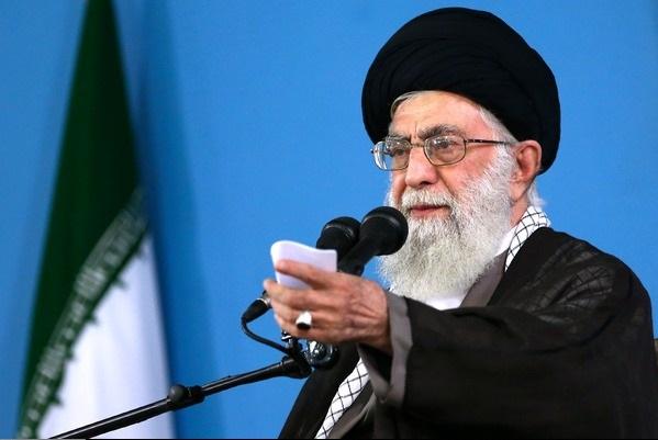الإمام الخامنئي: التساهل أمام العدو لا يزيل عداءه لأنه يريد استسلامنا
