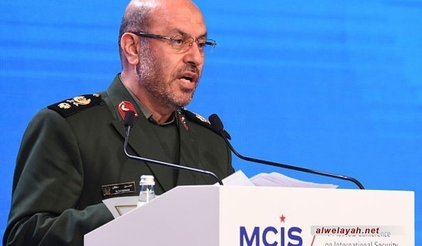 """وزير الدفاع الإيراني: دم الشهيد """"مصطفى بدر الدين"""" سوف يجتث جذور الإرهاب"""