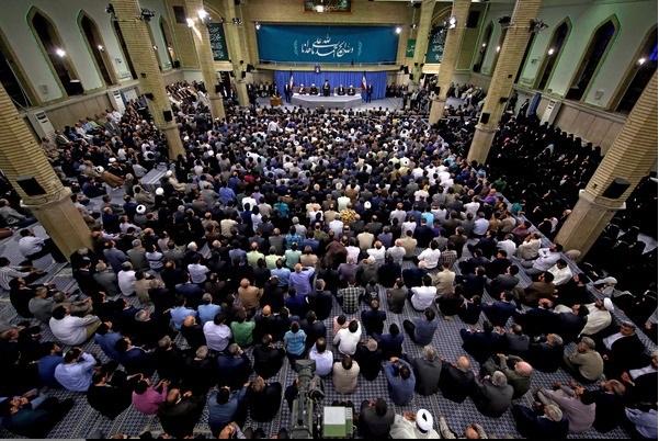 الإمام الخامنئي: إيران لم ولن تتدخل في البحرين