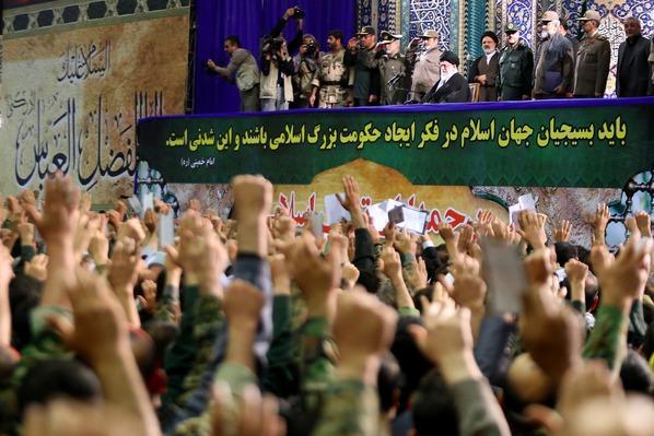 كيف يستفيد المفاوض الإيراني من توجيهات قائد الثورة؟