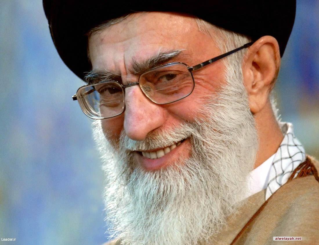 القائد يسمي العام الجديد بعام الوحدة الوطنية والانسجام الاسلامي