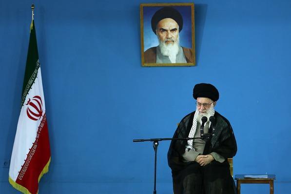 الإمام الخامنئي: أميركا لن تستطيع عرقلة تقدم الشعب الإيراني