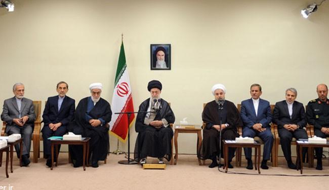 قائد الثورة الإسلامية يقدم توجيهاته للحكومة الإيرانية خلال استضافة رمضانية