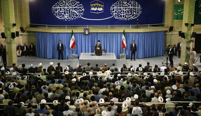 """قائد الثورة الإسلامية: عدونا الحقيقي أميركا و """"إسرائيل"""""""