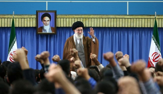 الإمام الخامنئي: المراكز العلمیة تشهد لصالح الجمهوریة الإسلامية