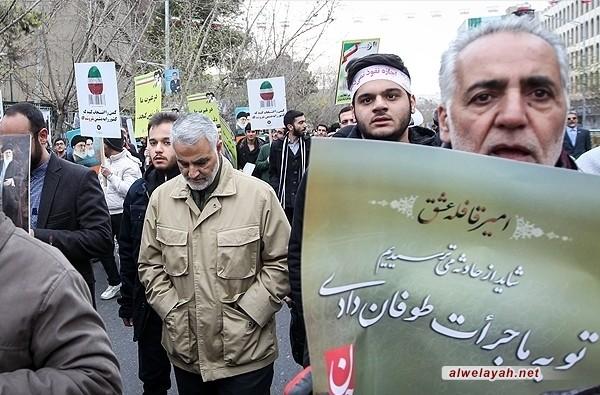 تقرير مصور/ صاحب خطط عسكرية يحضر هذه المرة في مسيرات ذكرى الـ 37 لانتصار الثورة الإسلامية