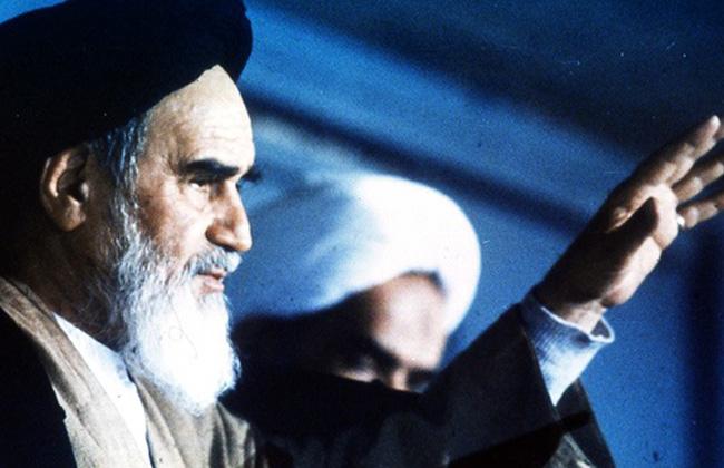 الاهتمام بجوانب شخصية الإمام الخميني