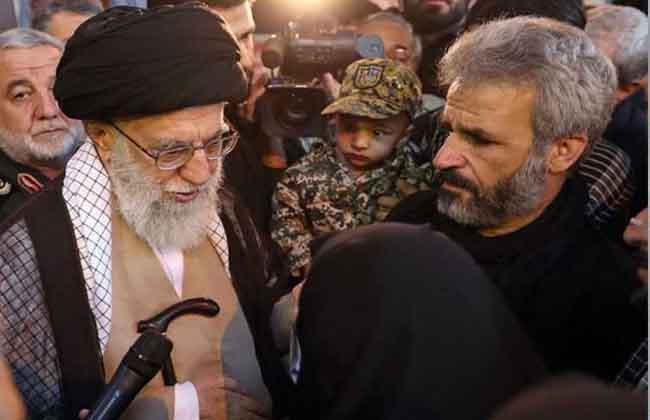لقاء القائد مع عائلة الشهيد حججي