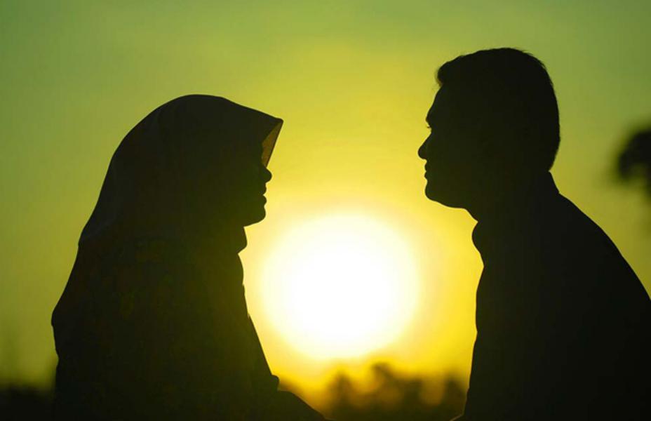 لقد عين الله تعالى في القرآن حدود تكريم المرأة