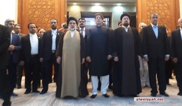 رئيس وزراء باكستان يزور مرقد الإمام الخميني (ره)