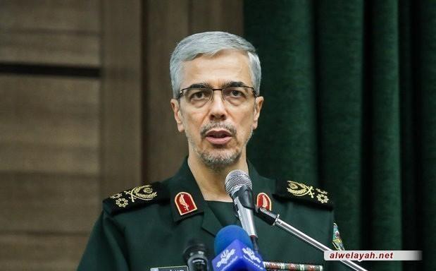 اللواء باقري: يعرب عن تقديره لنجاح المناورات الأخيرة التي أجرتها القوات المسلحة الإيرانية