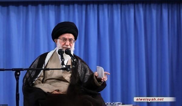 قائد الثورة الإسلامية: الفنانون في الحرب الناعمة كالجنود في الحرب العسكرية
