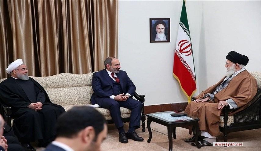قائد الثورة الإسلامية: يجب أن تكون العلاقات بين إيران وأرمينيا وطيدة وودية