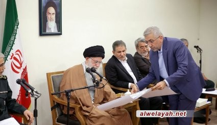 قائد الثورة الإسلامية: ينبغي مواصلة توظيف جميع الإمكانيات اللازمة لرفع مشاكل المنكوبين بالسيول