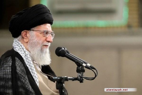الإمام الخامنئي: شهداء الدفاع المقدس لم يسمحوا في أن تعود إيران إلى مربع سلطة الاستكبار