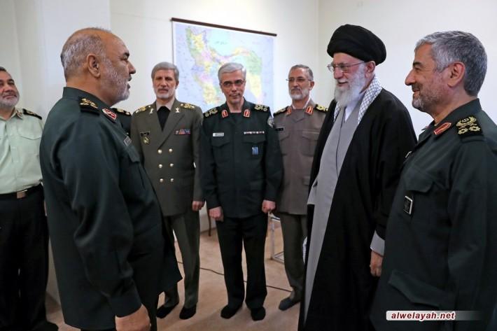 الإمام الخامنئي يمنح رتبة لواء للقائد العام الجديد لحرس الثورة الإسلامية اللواء حسين سلامي
