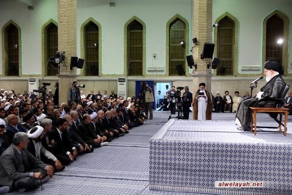 قائد الثورة الإسلامية يستقبل القائمين علي شؤون الحج