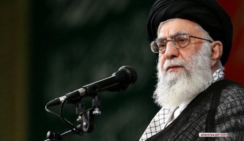 الإمام الخامنئي يعزي بوفاة الفقيد آية الله حائري شيرازي