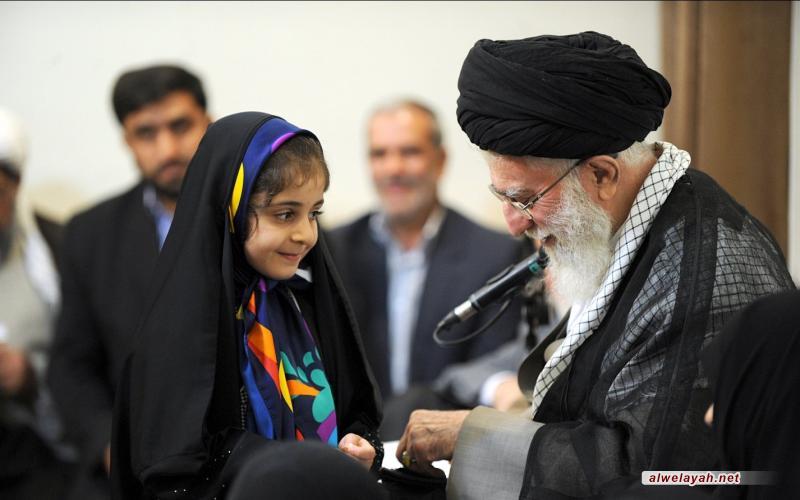 بماذا أجاب الإمام الخامنئي الطفلة التي راسلته؟