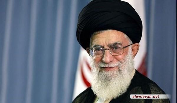 قائد الثورة الإسلامية يزور أسرة الشهيد حداديان