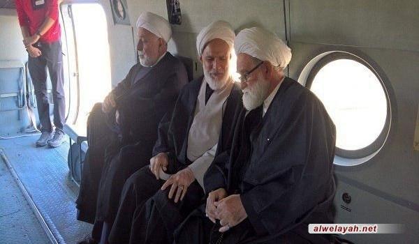 وفد من مكتب قائد الثورة الإسلامية يتفقد المناطق المتضررة بالزلزال غربي إيران
