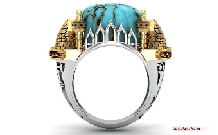 إهداء خاتم فضي على شكل مرقد الإمام الرضا (ع) لسماحة قائد الثورة الإسلامية