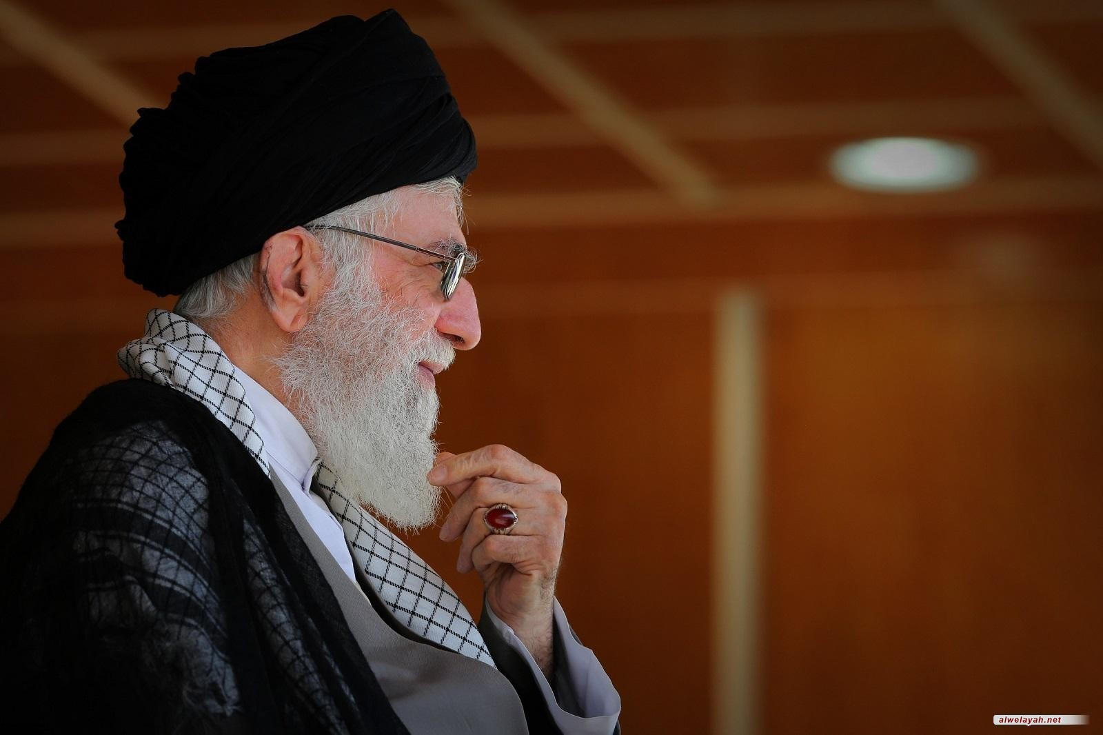 """قائد الثورة الإسلامية مخاطباً المنتخب الوطني: """"عدتم مرفوعي الرأس"""""""