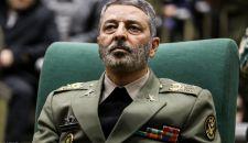 اللواء موسوي: قائد الثورة الإسلامية يشرف بالكامل على القضايا الأمنية والدفاعية