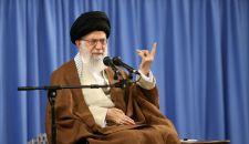 قائد الثورة الإسلامية يستقبل أئمة الجمعة في أنحاء البلاد