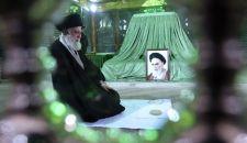 الإمام الخامنئي يزور مرقد مفجر الثورة الإسلامية الإمام الخميني (ره)