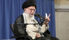 قائد الثورة الإسلامية: قرصنة بريطانيا لن تبقى دون رد