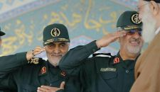 """تحية عسكرية خاصة من الجنرال قاسم سليماني """"للإمام الخامنئي"""" + (صورة)"""