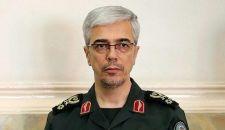 قائد الأركان الإيرانية: الزوارق السريعة معجزة بحرية الحرس الثوري