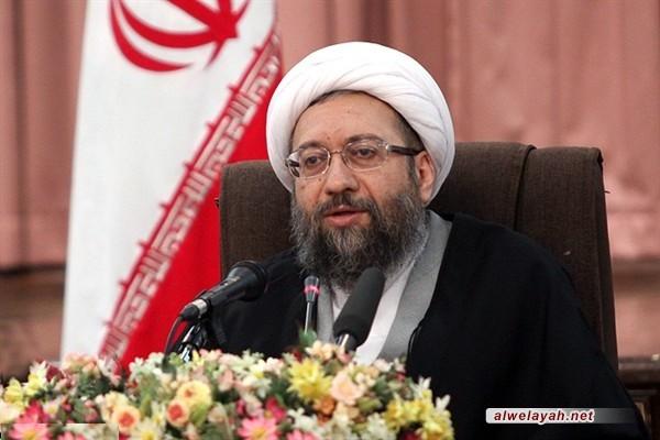 آملي لاريجاني: على الجميع صيانة الثورة الإسلامية