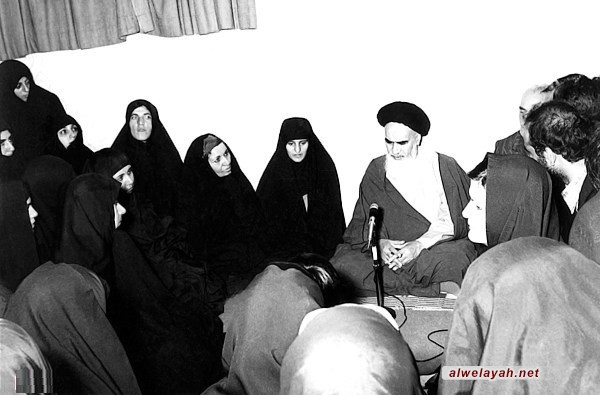 تقديم 6601 شهيدة دليل على التواجد الفاعل للمرأة الإيرانية في مجالات الثورة