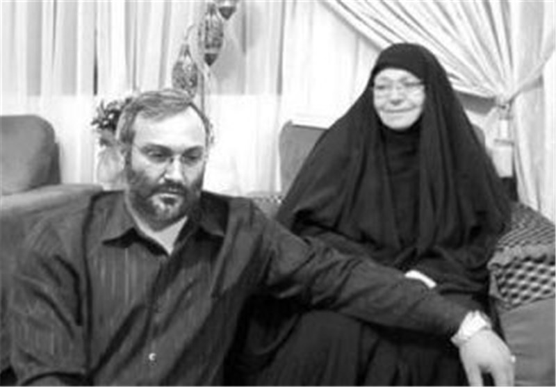 والدة الشهيد عماد مغنية تمد يدها إلى جعبة الأسرار وتروي بعضاً مما لم يعرفه الناس عن الحاج رضوان + صور