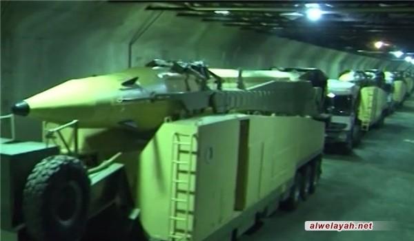 """الدفاع الإيرانية: صاروخا """"سيمرغ"""" و""""عماد"""" في مسيرات ذكرى انتصار الثورة"""
