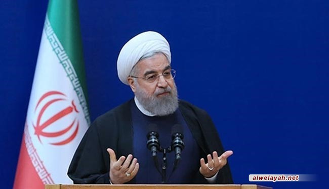 روحاني: شعبنا تعلم درس الصمود والمقاومة من الإمام الراحل (ره)