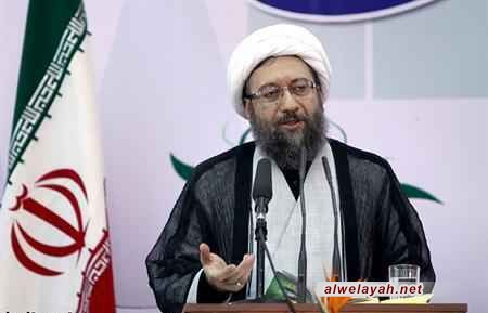 آية الله آملي لاريجاني: تواجد الشعب في الساحة يضمن صلابة نظام الجمهورية الإسلامية