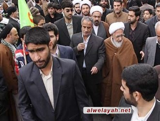 آیة الله جوادي آملي: الشعب الإيراني یتصدی لتهدیدات الأعداء بإحيائه ذكرى انتصار الثورة
