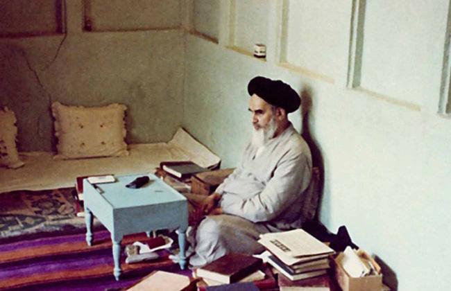 مدرسة الإمام الخميني الخالدة