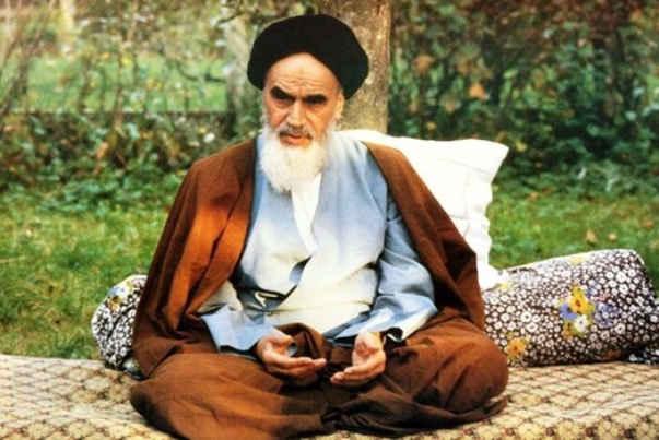 الجمهورية الإسلامية أهم ابتكار للإمام الخميني (ره)