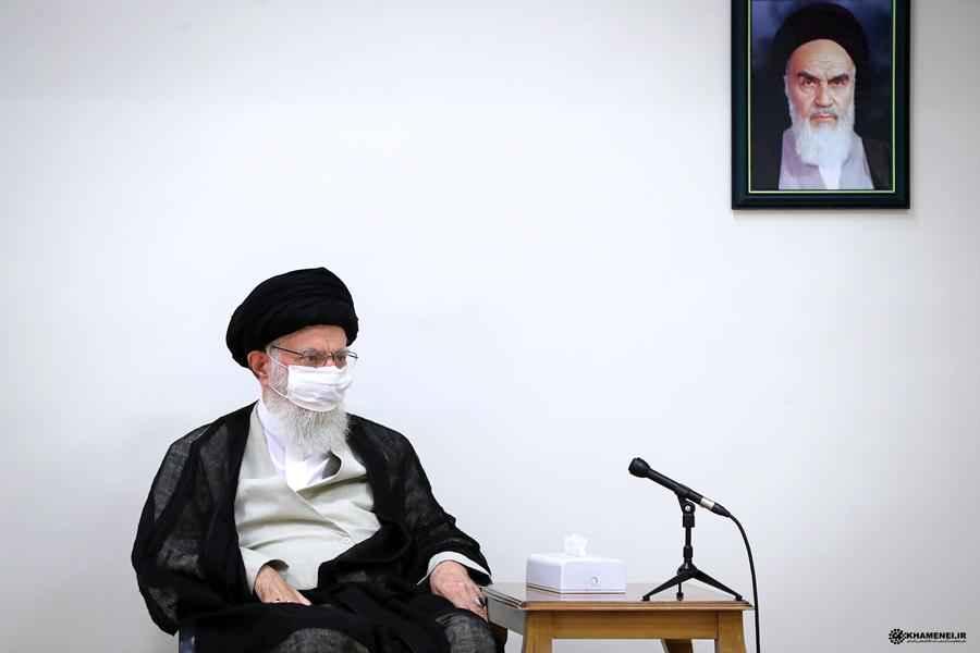 الإمام الخامنئي يجدد التأكيد على الانتظام العام في مواجهة كورونا