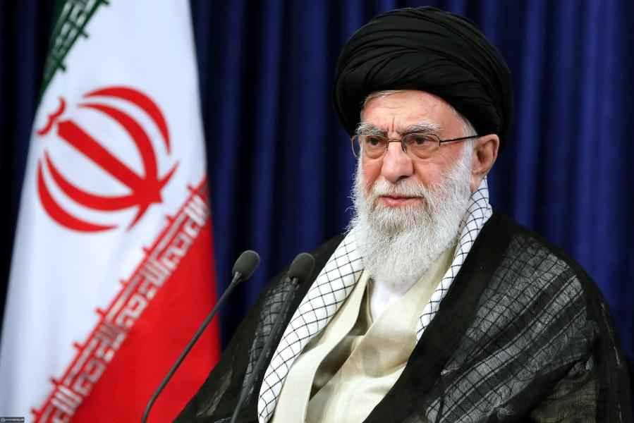الإمام الخامنئي (دام ظله): الروح الثورية هي روح هذا الشعب