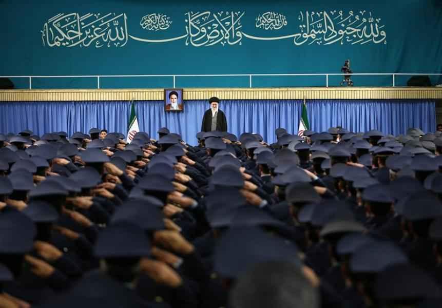 دور القوة الجوية في الثورة الإسلامية