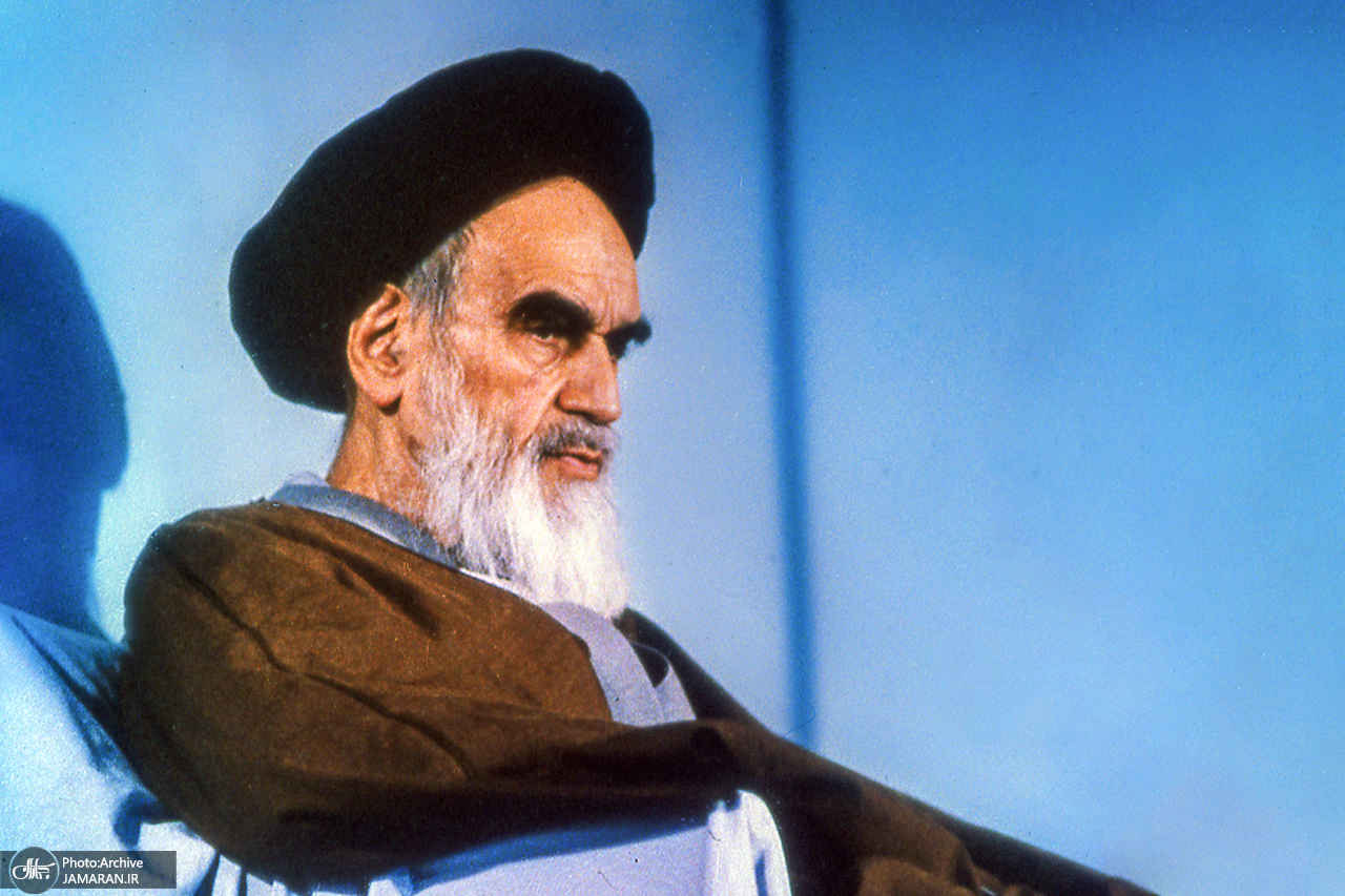 الإمام الخامنئي: ما هو سرّ بقاء الجمهورية الإسلامية ؟