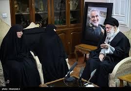 زيارة الإمام الخامنئي (دام ظله) لعائلة الشهيد القائد الحاج قاسم سليماني